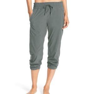Zella joggers Out & About Crop Pants S